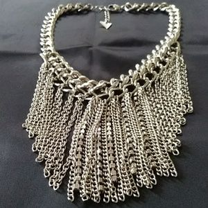 """GUESS STATEMENT NECKLACE 16 - 18"""""""